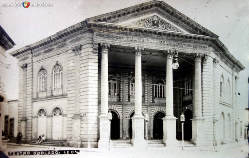 Teatro Doblado.