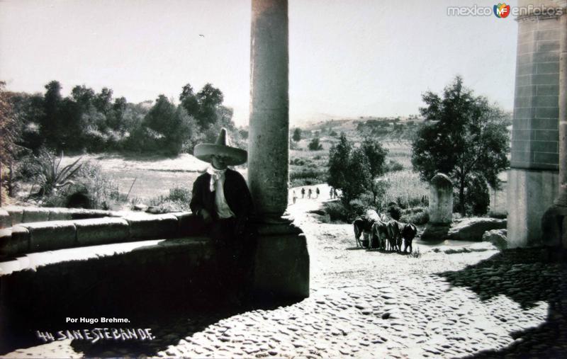San Esteban por el Fotógrafo Hugo Brehme.