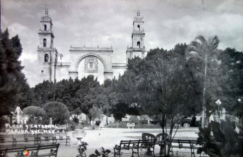 La Catedra y la plaza..
