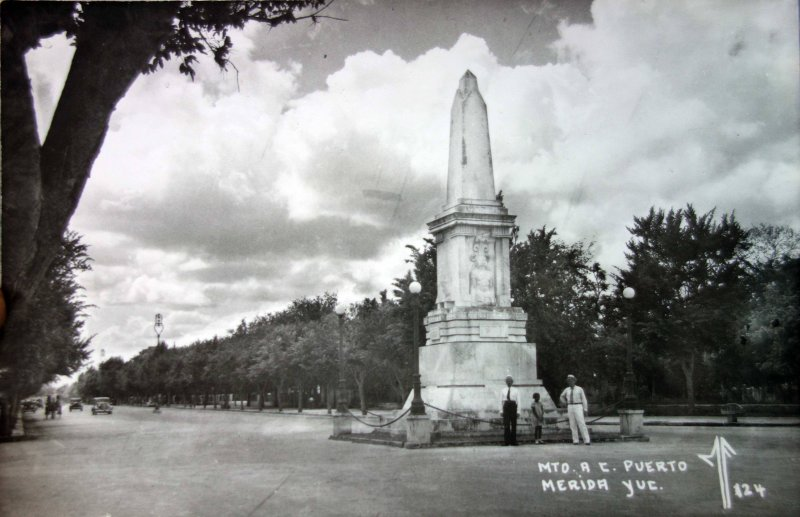 Monumento a C Puerto.