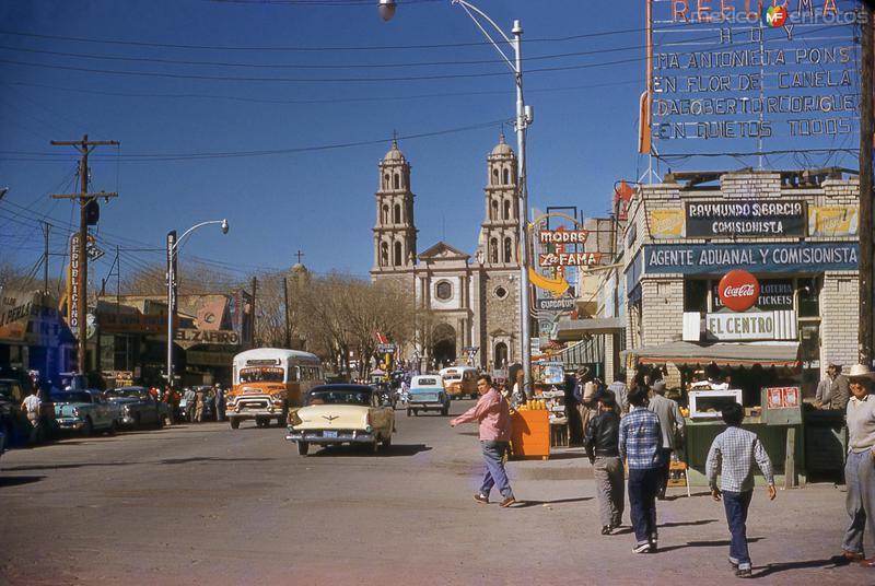 Avenida 16 de Septiembre y Catedral (1960)