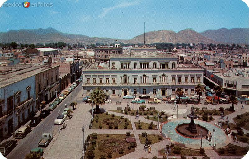 Plaza Principal y Palacio de Gobierno