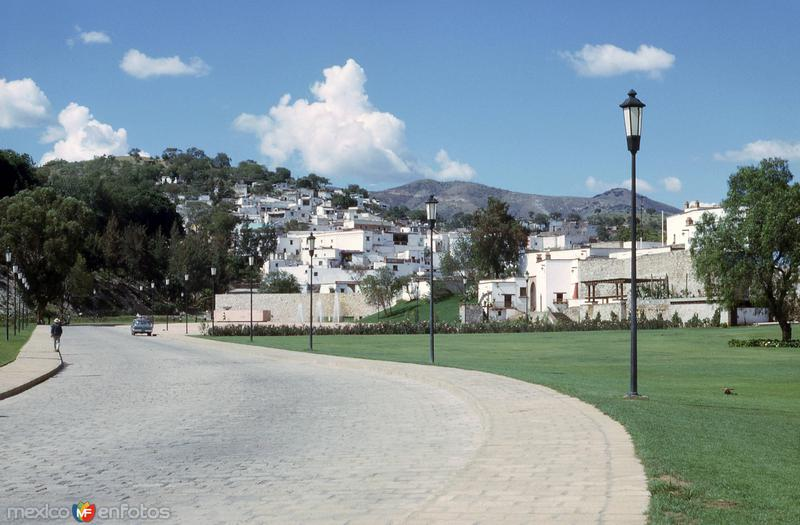 Entrada a Guanajuato (1965)