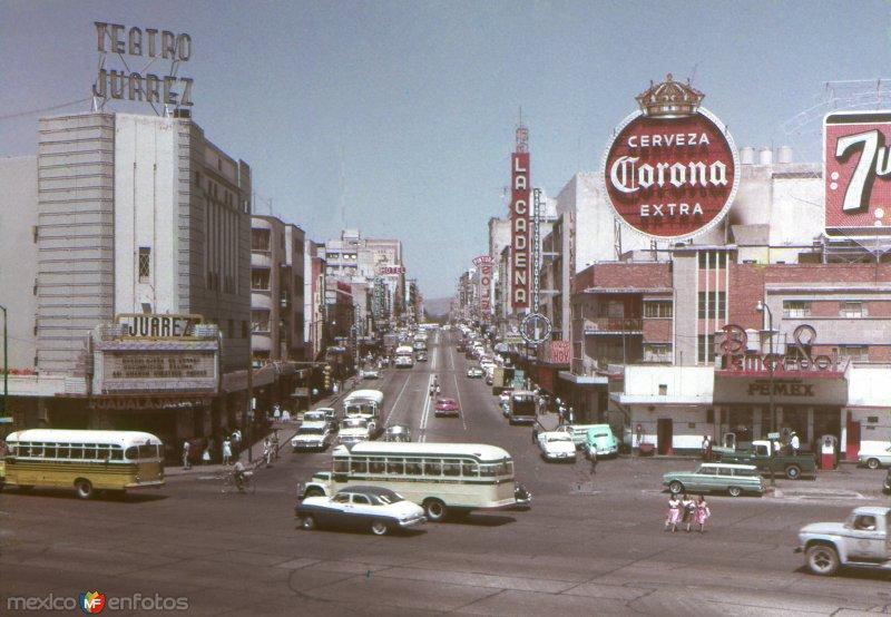 Avenida Juárez y Calzada Independencia (c. 1970)