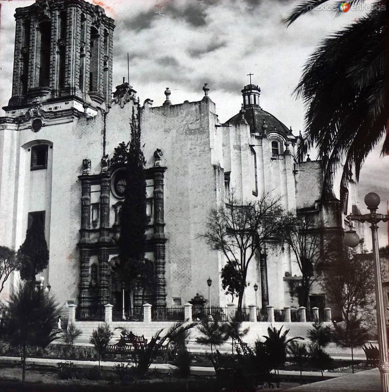 Una Iglesia Lugar desconocido.