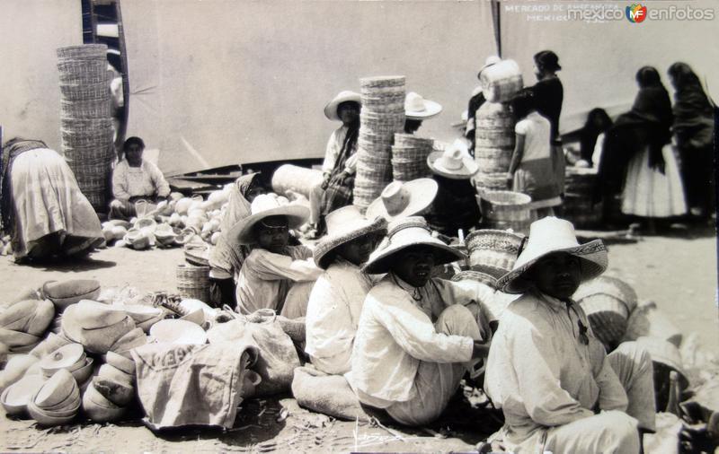 Tipos Mexicanos vendedores de Chiquihuites.
