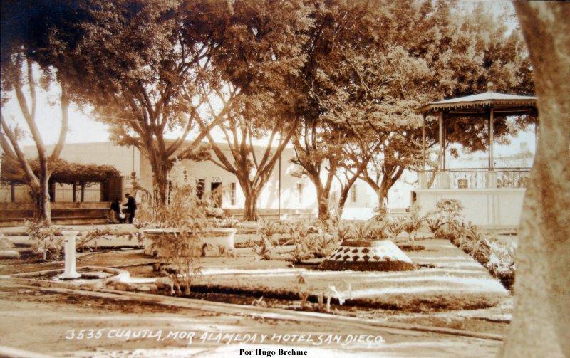 Alameda y Hotel San Diego.