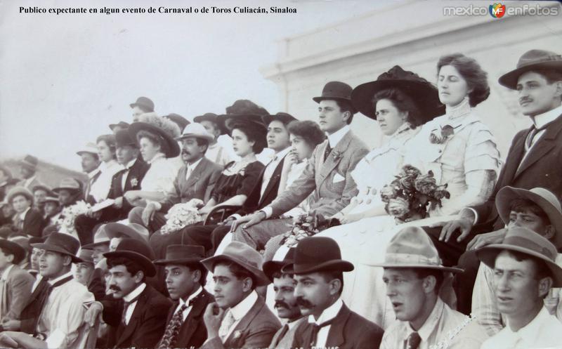 Publico expectante en algun evento de Carnaval o de Toros Culiacán, Sinaloa ( Circulada el 3 de Enero de 1908 ).