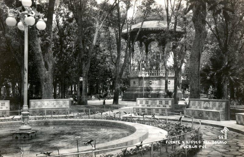 Fuente y kiosco del Zócalo