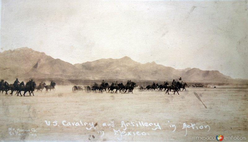 Artilleria en accion por el Fotógrafo  Walter H. Horne.