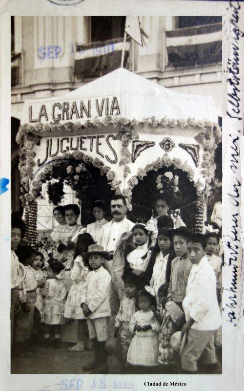 Alegorias Septembrinas La gran via de juguetes ( Fechada el 16 de Septiembre de 1910 )