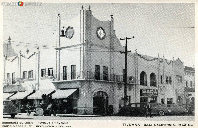 Edificio Rodríguez, en Avenida Revolución y Calle Tercera