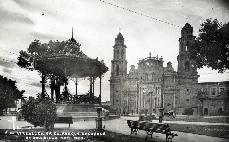 Catedral y Plaza Zaragoza