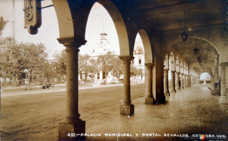 Palacio Municipal y Portal Zevallos.