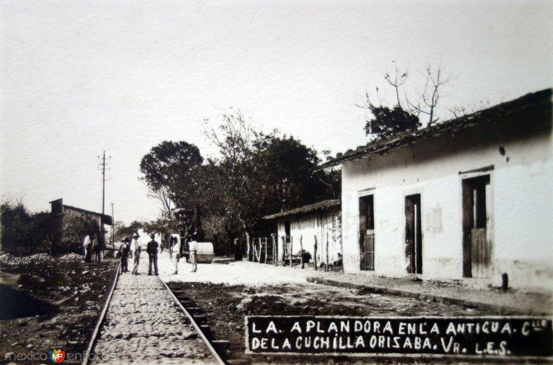 La Aplanadora en La antigua calle de La Cuchilla.