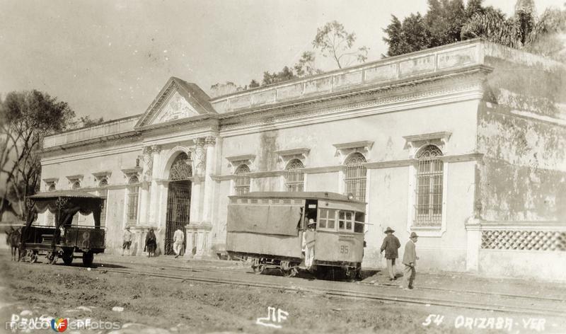 Entrada al panteón de Orizaba