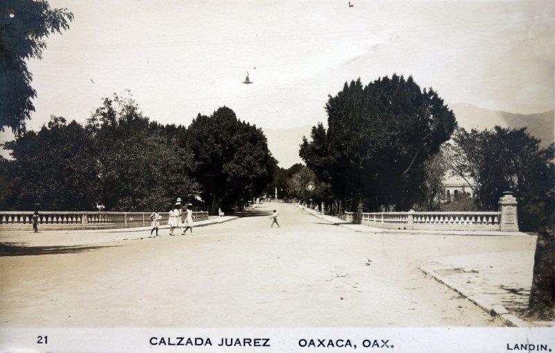 Calzada Juarez.