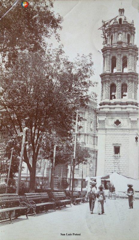 La Igesia de San Luis Potosí. ( Circulada el 30 de Septiembre de 1910 ).