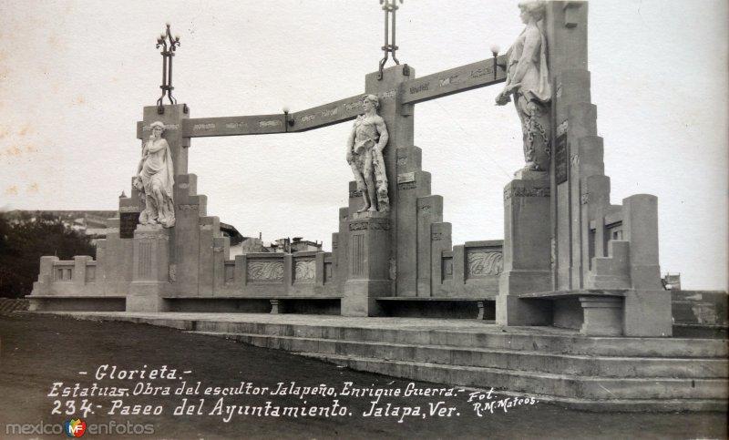 Estatuas obras del escultor Jalapeno Enrrique Guerra.