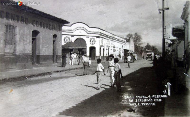 Calle Principal y mercado( Circulada el 22 de Noviembre de 1954 ).