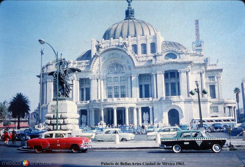 Palacio de Bellas Artes Ciudad de México 1961.