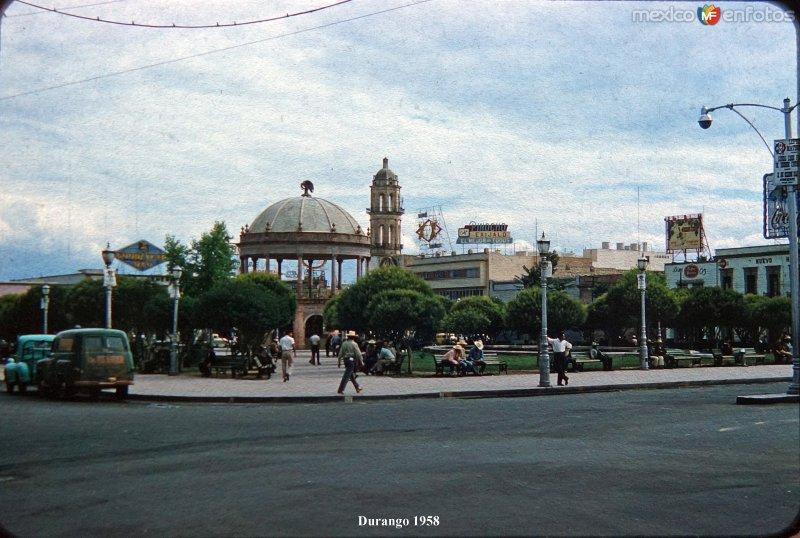 La Plaza de Armas 1958.