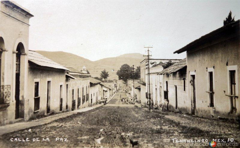 Calle De La Paz.