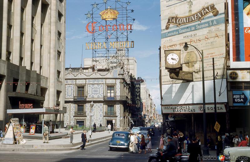 Avenida Madero, Plaza de Guardiola y Casa de los Azulejos (1953)