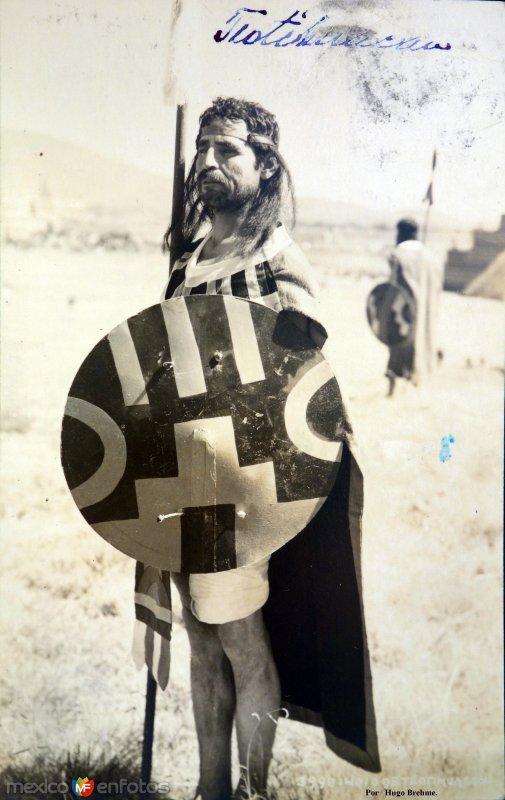 Un Indio Por el Fotógrafo Hugo Brehme.  ( Circulada el 16 de Enero de 1936 ).