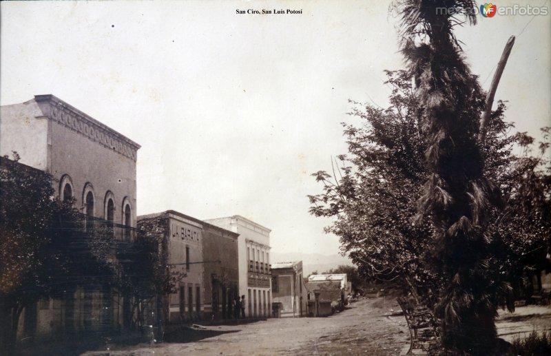 Escena callejera  San Ciro, San Luis Potosí. ( Circulada el 15 de Agosto de 1911 ).