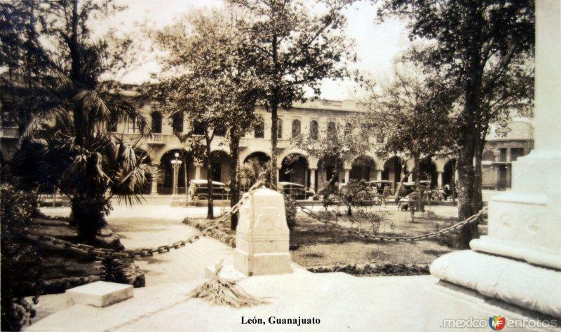Plaza y portales ( Circulada el 4 de Agosto de 1929 ).