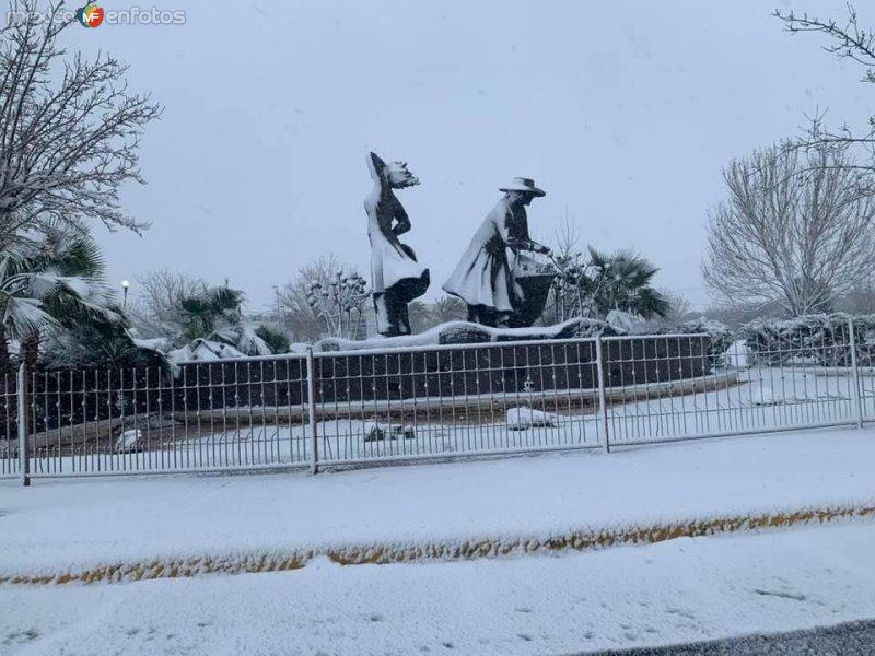 Las Piscadoras bajo la nieve, Cd Delicias Chihuahua.