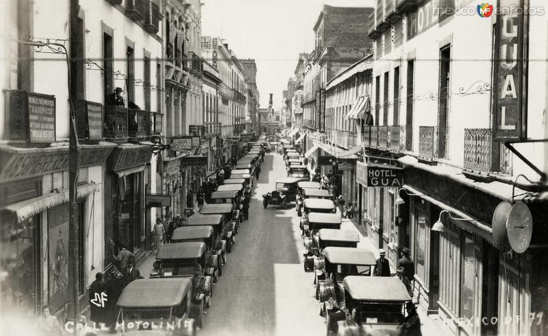 Calle Motolinía