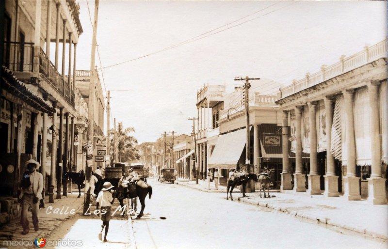 LUGAR DESCONOCIDO Calle de los Mayas.