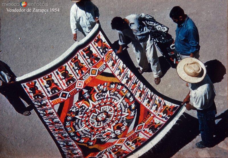 Tipos Mexicanos Vendedor de Zarapes 1954.