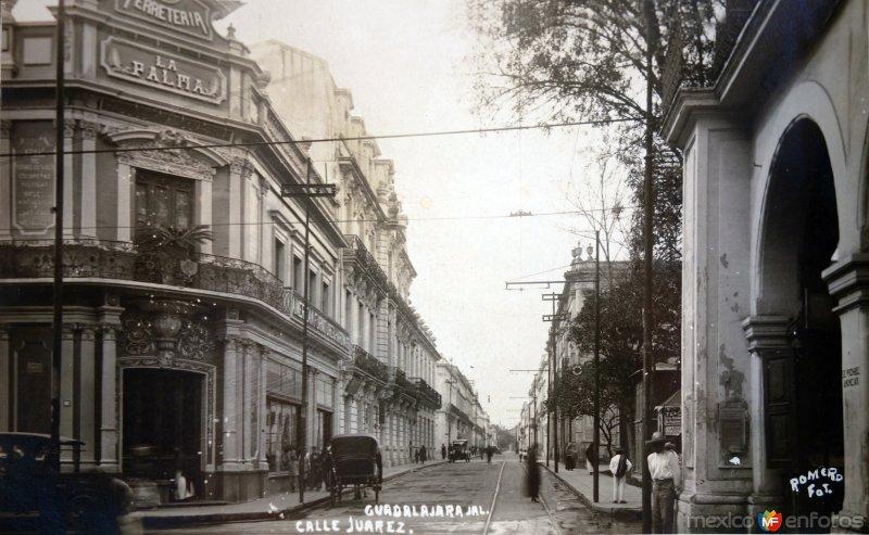 Ferreteria La Palma  y la Calle Juarez .