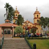 Plaza Principal y Catedral de Catemaco