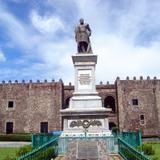 Monumento a Carlos Pacheco