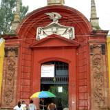 Entrada al Panteón de Belén