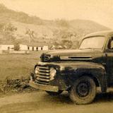 Auto de Pemex en los campos petroleros (c. 1950)
