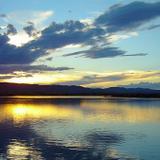 Atardecer en el Lago Colina