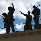 Monumento a los Héroes de Tomochi