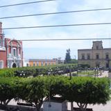 Templo, plaza y presidencia