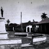"""1928, Glorieta """"Madero"""", ubicada en la calle Hidalgo esq. Enríquez."""