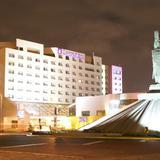 Monumento a Cuauhtemoc y el Hotel Camino Real
