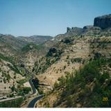 Comunidad Tarahumara de Basíhuare y la carretera Creel-Guachochi. Edo. de Chihuahua