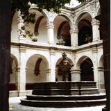 Claustro del Ex-Convento de San Francisco. Siglo XVII. Acámbaro, Guanajuato