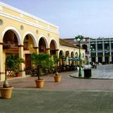 Portales en el zócalo de Tlacotalpan, Veracruz