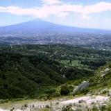 """Panorámica de la ciudad de Tlaxcala con el volcán """"La Malintzin"""""""
