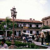 Zócalo y arquitectura típica de Valle de Bravo, Edo. de México